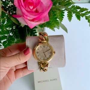 NWOT MK LADIES WATCH GOLD